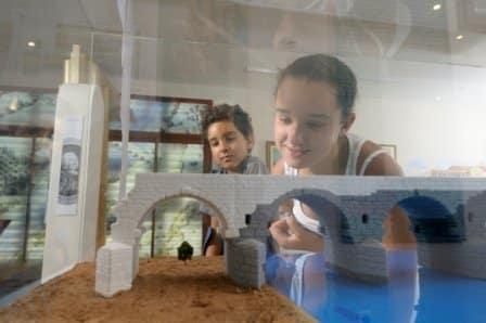 Enfants au Musée d'Ambrussum