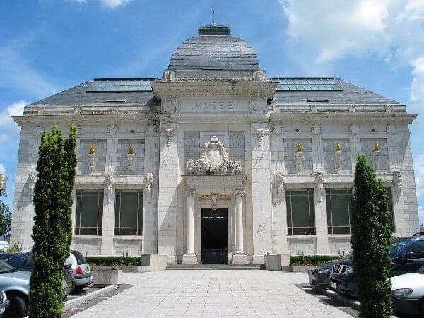 Façade musée denys puech