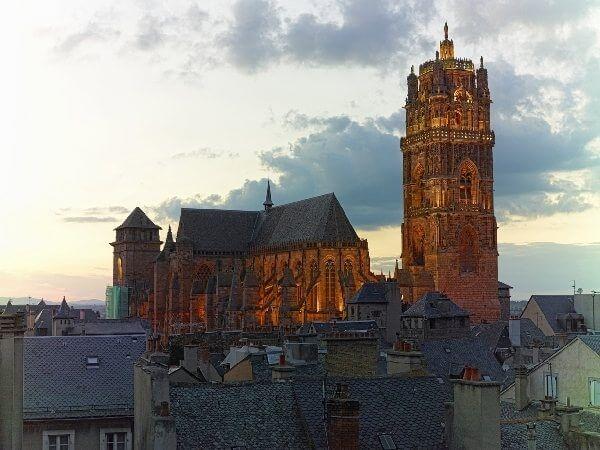 Cathédrale Notre Dame de Rodez de l'extérieur