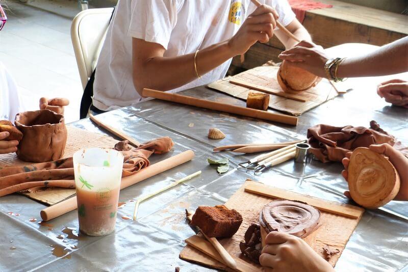 Ambrussum - atelier potier - accessible sourds