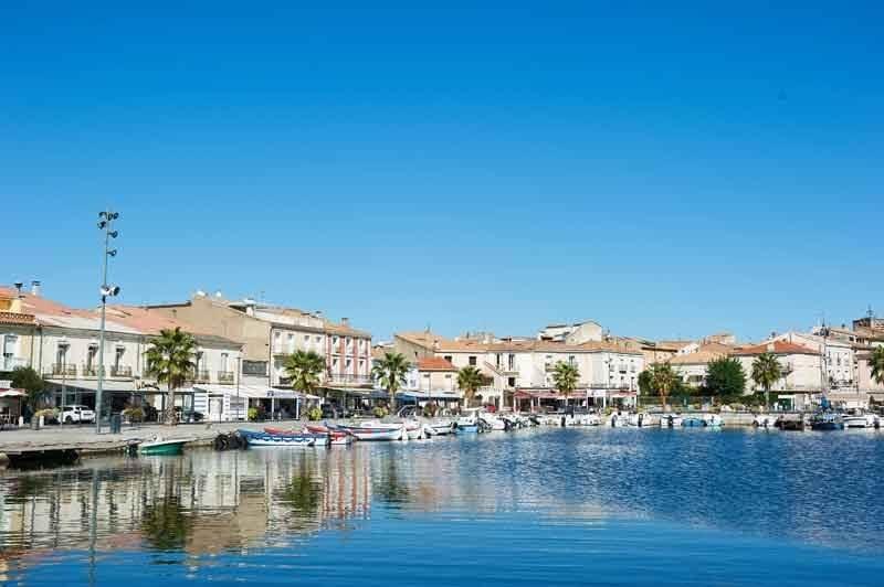 Ville de Mèze - port du bassin de Thau