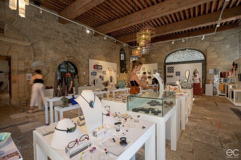 Pézenas - Maison des métiers- d'art-place Gambetta - centre historique - Artisans d'art -créateur- Hérault