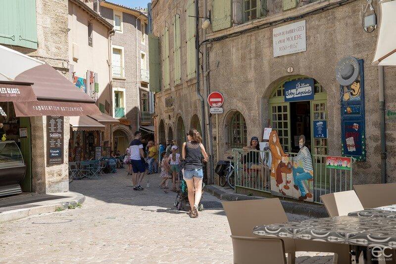 Pézenas - place Gambetta - centre historique- Lamusée - musée Boby Lapointe -Hérault
