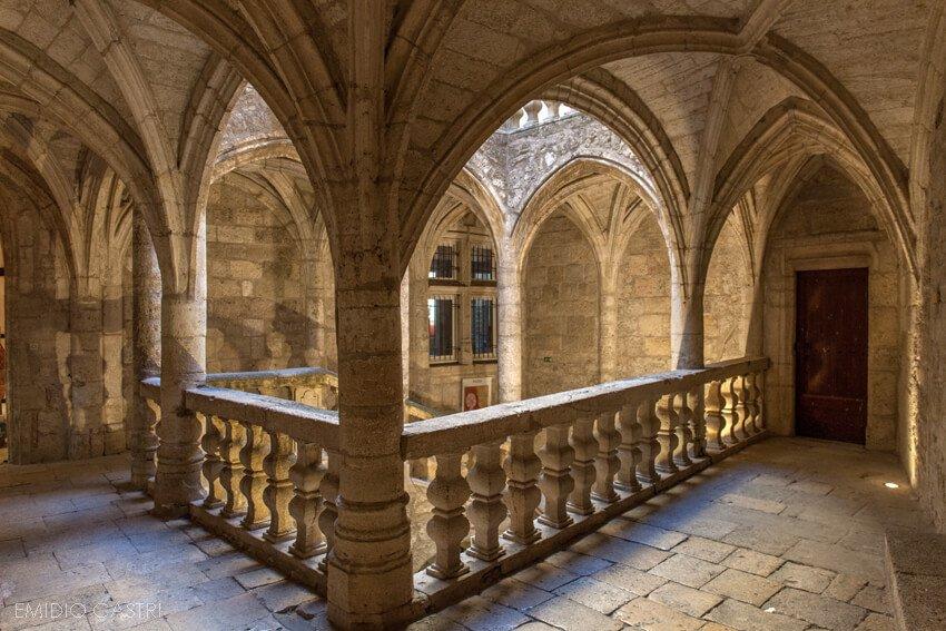 Pézenas -hôtels particuliers - centre historique- Hérault
